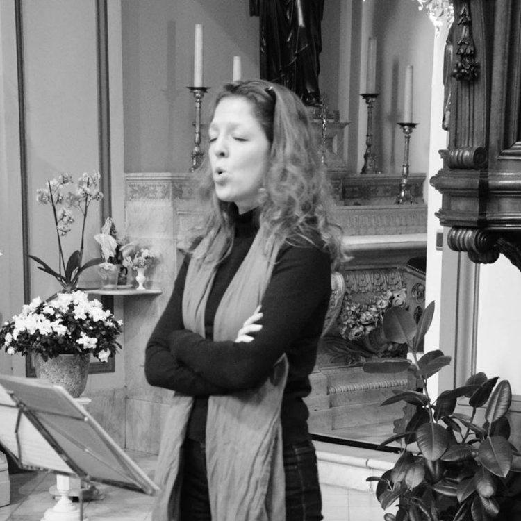 Griet De Geyter (Soprano) - Short Biography [More Photos]